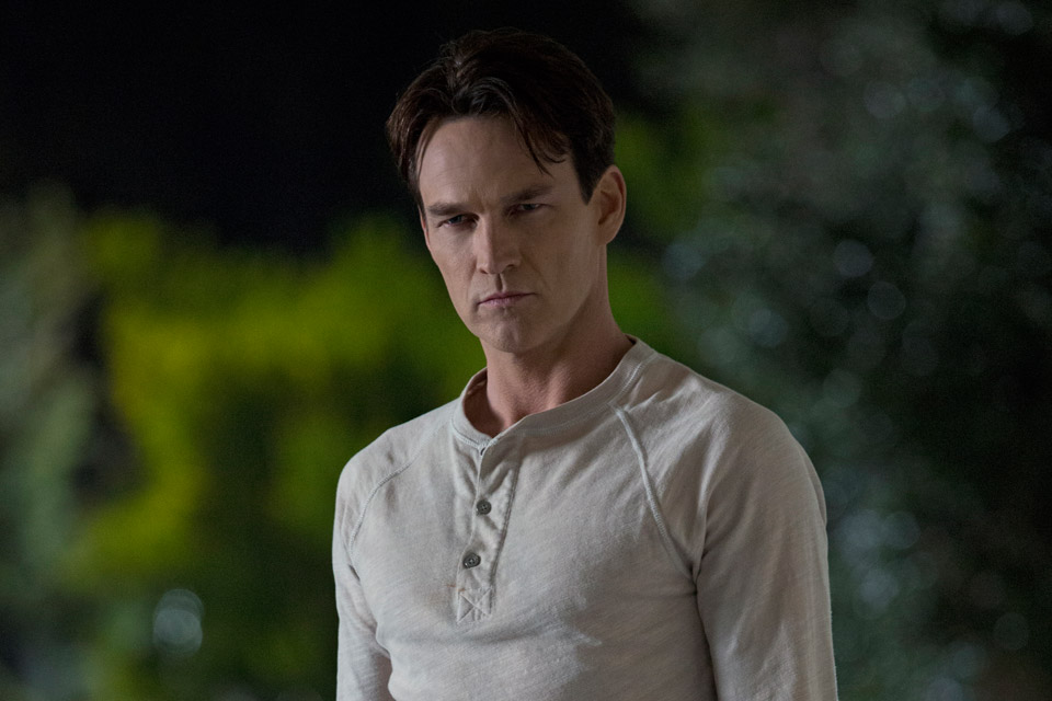 Stephen Moyer as Bill Compton in True Blood Season 6, Episode 1