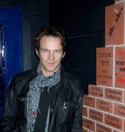 Stephen Moyer next to his fan wall in Brentwood Theatre