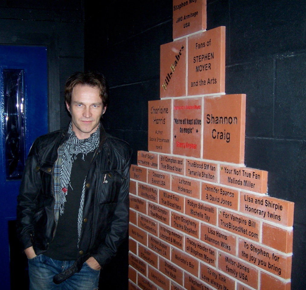 Stephen Moyer next to the US bricks purchase by his fans for Brentwood Theatre