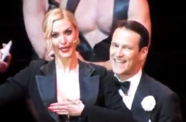 Ashlee Simpson and Stephen Moyer