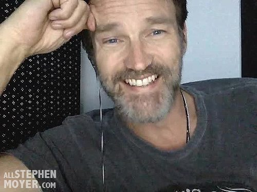 stephen-moyer-interview-smile