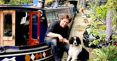 Stephen-Moyer-Splash-houseboat